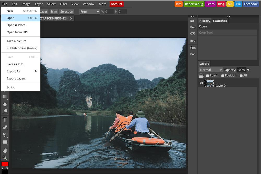 Nhấn vào File trên thanh menu→ Open→ Chọn hình ảnh cần cắt